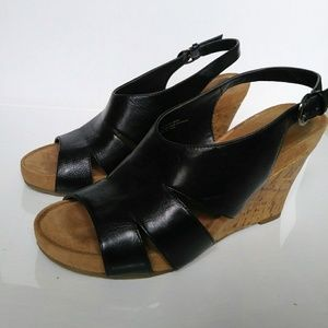 AEROSOLES Black Slingback Wedges Size 7.5